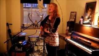 Daisy Vaughan at Sofar Sounds, Norwich