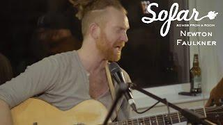 Newton Faulkner - Passing Planes | Sofar London